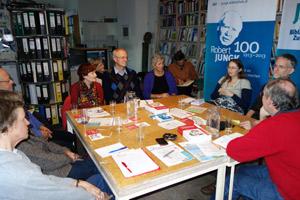 Buchpräsentation und Diskussion in der Robert-Jungk-Bibliothek Salzburg