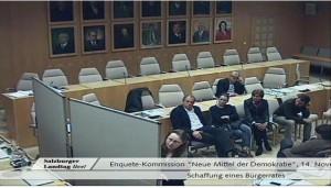 Rita Trattnigg moderiert die Enquete-Kommission des Salzburger Landtages in Form eines BürgerInnen-Rates